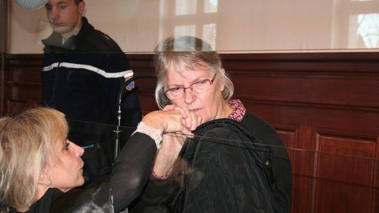 (Jacqueline Sauvage ici dans le box des accusés en décembre 2015 © MaxPPP)