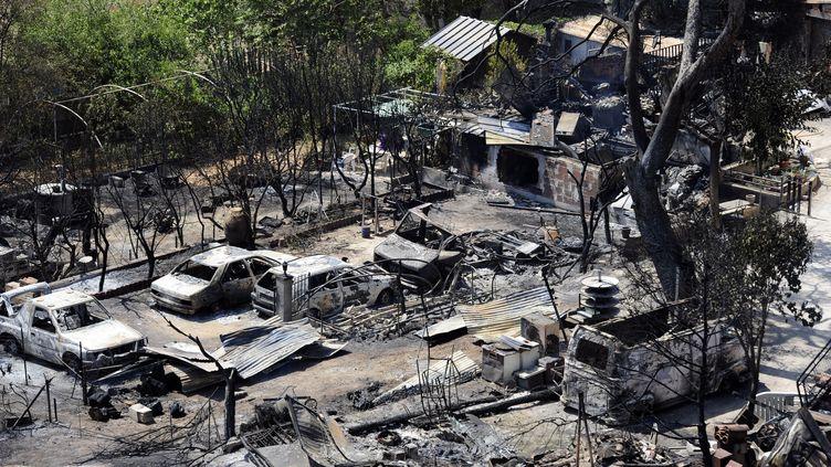 """Entre """"20 et 25 maisons"""" ont été brûlées à Vitrolles. (FRANCK PENNANT / AFP)"""