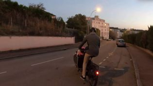 Le vélo cargo, un modèle qui se développe de plus en plus, permet de se déplacer avec ses enfants ou encore de transporter ses courses. (FRANCE 3)