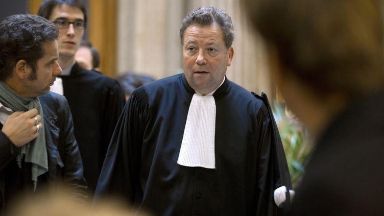 Olivier Morice, avocat de l'Unadfi, arrive à l'ouverture du procès en appel de l'Eglise de Scientologie et de cinq de ses dirigeants parisiens, le 3 novembre 2011 à Paris. (FRED DUFOUR / AFP)