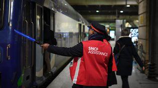 """""""il faut discuter d'un plan de relance du fret ferroviaire qui a montré toute son utilité pendant la criseet aussi d'un plan de relance du transport de voyageurs"""",plaideEric Meyer, secrétaire fédéral Sud Rail. (ALAIN JOCARD / AFP)"""