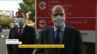 Le Premier ministre Jean Castex et le ministre de la Santé Olivier Véran, le 24 octobre 2020 à Marseille (Bouches-du-Rhône). (FRANCEINFO)