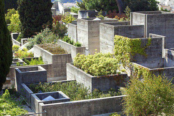 Les jardins de la Villa Arson où le végétal reprend ses droits sur le minéral  (MOIRENC Camille / hemis.fr)