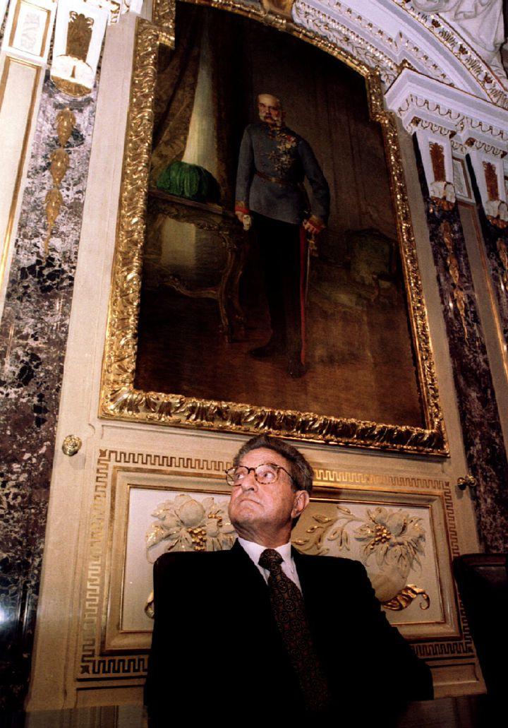 George Soros en visite à Vienne (Autriche), le 26 avril 1995. (REUTERS)