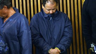 Ariel Castro et ses deux frères devant le tribunal municipal de Cleveland (Ohio, Etats-Unis),ce jeudi 9 mai 2013. (EMMANUEL DUNAND / AFP)