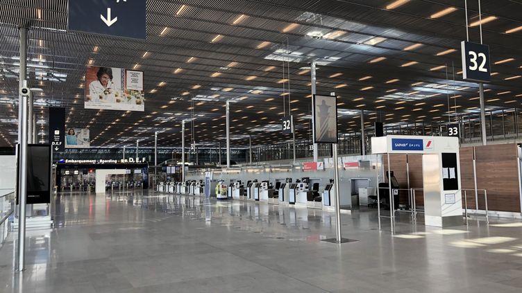 L'aéroport d'Orly vide, à quelques heures de la fermeture officielle du site, pour cause d'épidémie de coronavirus. (NOÉMIE BONNIN / RADIO FRANCE)