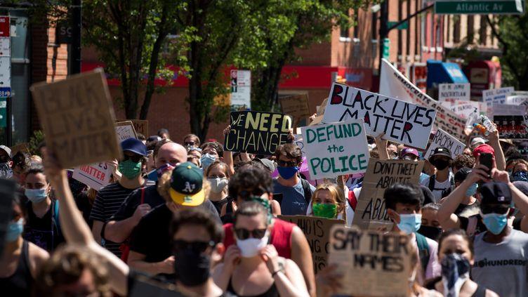 Une manifestation Black Lives Matter à New York, le 19 juin 2020. (MICHAEL NAGLE / XINHUA)