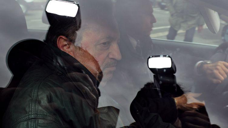 Jean-Noël Guérini à son arrivée à la gendarmerie à Marseille (Bouches-du-Rhône), le 2 avril 2013. (ANNE-CHRISTINE POUJOULAT / AFP)