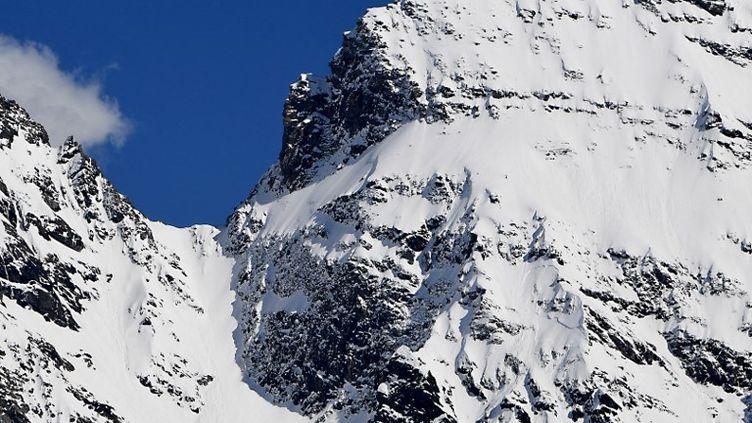 La glace recule de un à deux mètres tous les ans aux Deux-Alpes. (JEAN-PIERRE CLATOT / AFP)