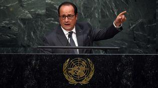 Le président français, François Hollande, s'exprime à la tribune, lors de l'assemblée générale des Nations unies, à New York (Etats-Unis), le 28 septembre 2015. (TIMOTHY A. CLARY / AFP)