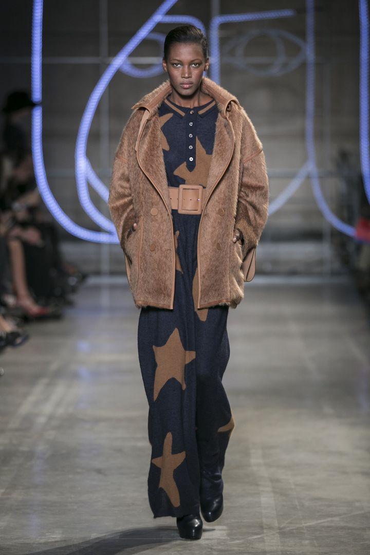 Jean Charles de Castelbajac ah 2014-15: longue robe en tricot parsemée d'étoiles  (Jean-Charles de Castelbajc)