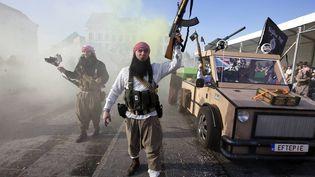 Le char jihadiste lors du carnaval d'Alost en Belgique, dimanche 15 février 2015. (NICOLAS MAETERLINCK / BELGA MAG)