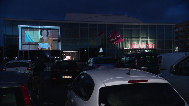 A Dunkerque, Le Bateau-Feu a expérimenté le drive-in pour renouer avec le public. (J-M.Barféty / France Télévisions)