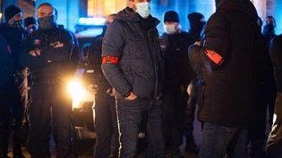 Des policiers manifestent à Bordeaux (Gironde), le 17 décembre 2020. (STEPHANE DUPRAT / HANS LUCAS / AFP)