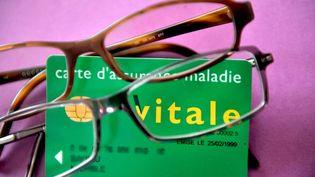 L'assurance-maladie rembourse 200 millions d'euros par an au titre des dépenses d'optique. (MYCHELE DANIAU / AFP)