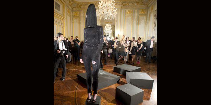 Des créateurs russes présentaient leurs collections toutes réalisées en noir, le 6 février 2013 à New York dans le cadre de la Fashion Week  (Don Emmert/AFP)
