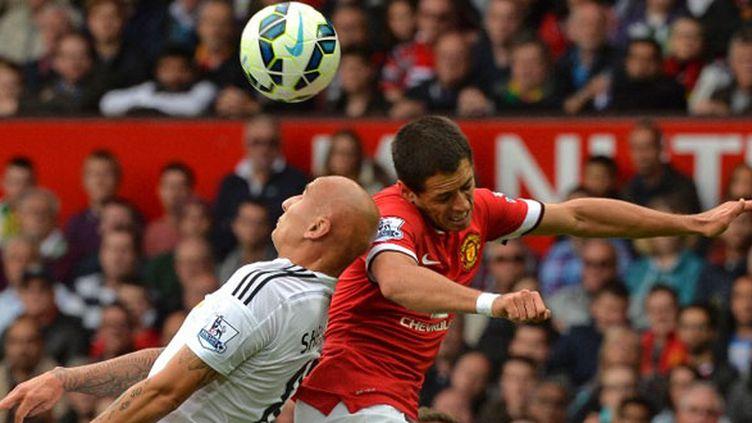 Javier Hernandez (Manchester United) face à Jonjo Shelvey (Swansea)
