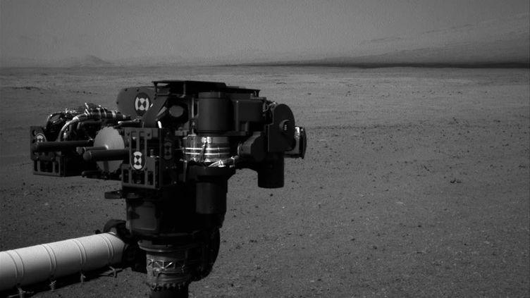 Curiosity, le robot explorateur de Mars, a transmis cette photo de la planète rouge, le 20 août 2012. (NASA / JPL-CALTECH / AFP)