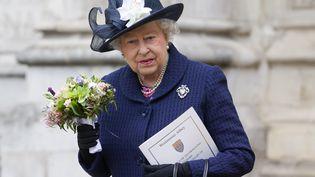 La reine Elizabeth II lors d'une commémoration de la fin de la seconde guerre mondiale, le 10 mai 2015, à Londres (Royaume-Uni). (JUSTIN TALLIS / AFP)