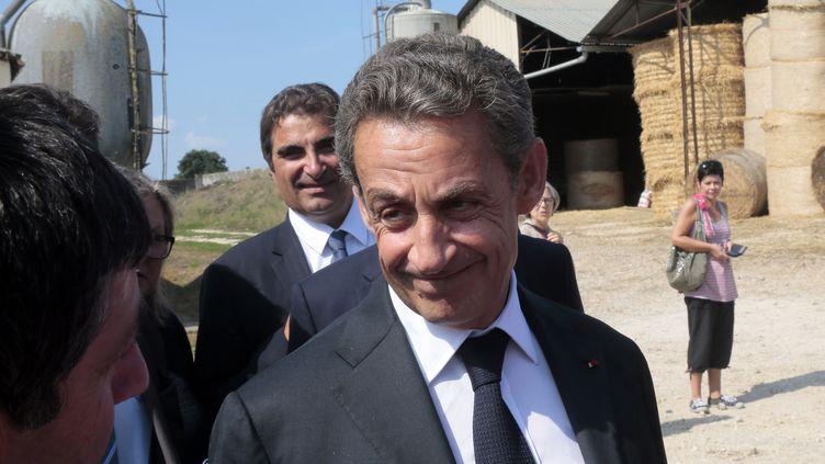 Nicolas Sarkozy visite une ferme àSaint-Privédans l'Yonne le 19 Août 2015 Saint-Prive (JACQUES DEMARTHON / AFP)