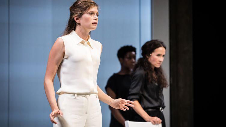 Suzanne Aubert, Chloé Réjon, Astrid Bayiha (Simon Gosselin)