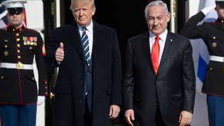 Le président des Etats-Unis, Donald Trump, accueille le Premier ministre israélien, Benyamin Nétanyahou, à Washington, le 27 janvier 2020. (SAUL LOEB / AFP)
