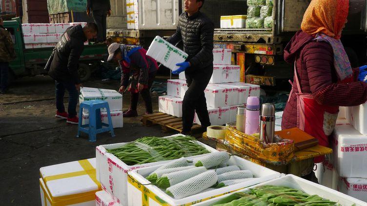 Le marché de Xinfadi à Pékin (Chine), le 28 novembre 2018. (CHINA STRINGER NETWORK / REUTERS)