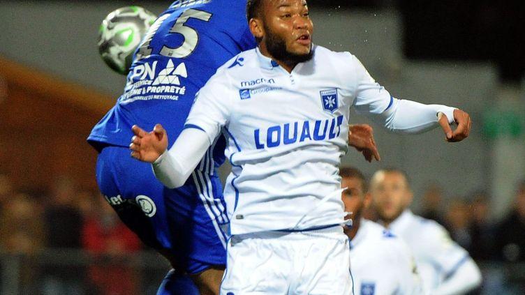 Pierre-Yves Polomat sous les couleurs de l'AJA contre Bourg-en-Bresse, le 27 octobre 2017. (MAXPPP)