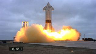 La fusée SN15 est lancée de Boca Chica, au Texas (Etats-Unis) par SpaceX le 3 juin 2021. (AFP / SPACEX)