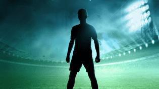 """Détail de la couverture du livre """"Je suis le footballeur masqué"""", publié aux éditions Hugo Sport. (HUGO SPORT)"""