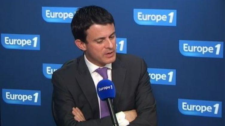 Manuel Valls, le directeur de communication de François Hollande, le 7 mai 2012 au micro d'Europe 1. (FTVI / EUROPE 1)