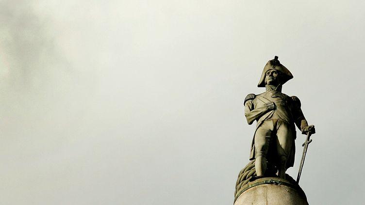 La colonne de l'Amiral Nelson, sur Trafalgar Square, à Londres, photographiée le 21 octobre 2005.  (KIERAN DOHERTY / REUTERS)