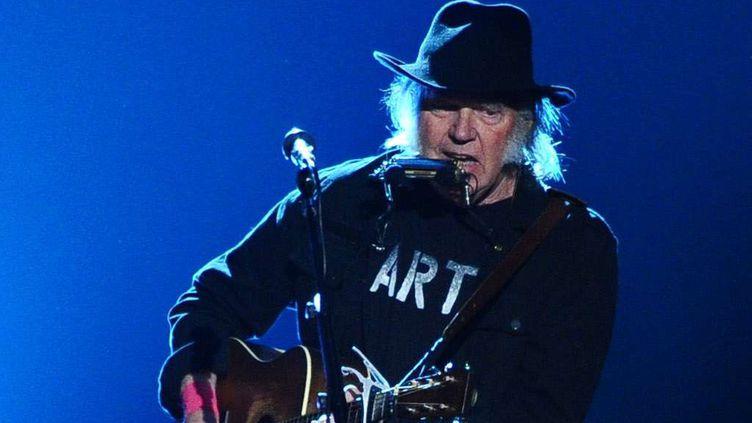 Neil Young ici en février 2015.  (Vince Bucci/AP/SIPA)