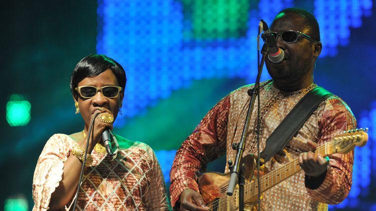 Les chanteurs Amadou et Mariam font partie des artistes signataires d'un appel aux dirigeants de la francophonie pour se mobiliser contre la fièvre Ebola.  (Sia Kambou / AFP)