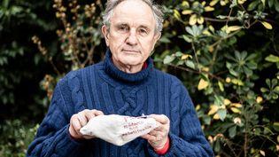 Jean-Paul Hamon, médecin généralisteetprésident d'honneur de la Fédération des médecins de France, le 13 décembre 2020 à Clamart (Hauts-de-Seine). (DANIEL DERAJINSKI / HANS LUCAS / AFP)