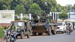 Des militaires français patrouillent dans les rues de la capitale centrafricaine, Bangui, mercredi 9 avril 2014. (MIGUEL MEDINA / AFP)