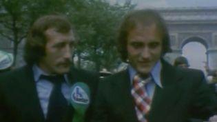 La campagne des municipales donne lieu à des compétitions particulières. C'est le cas à Saint Étienne (Loire) où les frères Revelli, deux anciens joueurs de l'ASSE, s'affrontent pour les élections. (FRANCE 3)