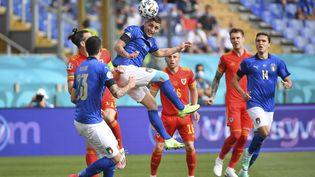 L'Italie déroule face aux Pays de galle, réduit à 10 après l'expulsion de Ethan Ampadou. (ISABELLA BONOTTO / ANADOLU AGENCY)