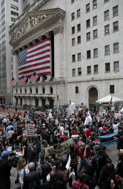 Manifestation contre la crise financière, devant la bourse de New York (septembre 2008) (afp/ Nicholas Robert)
