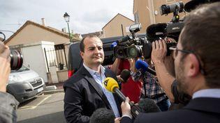 (David Rachline, le maire FN de Fréjus, a tenté d'interdire à un de nos reporters l'accès à une réunion de conseil de quartier, pourtant publique. © Christophe Morin / IP3)