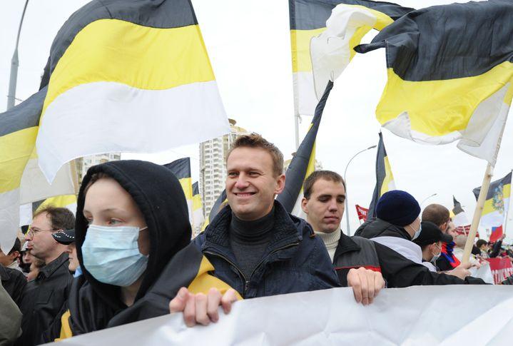 Alexeï Navalny lors de la Marche russe de Moscou (Russie), le 4 novembre 2011, qui rassemble des milliers de nationalistes le jour de l'unité nationale. (ILIYA PITALEV / RIA NOVOSTI / AFP)
