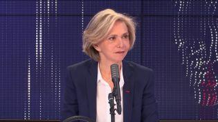 """Valérie Pécresse, présidente (Libres !) de la région Île-de-France était l'invitée du """"8h30 franceinfo"""", jeudi 7 janvier 2021. (FRANCEINFO / RADIOFRANCE)"""