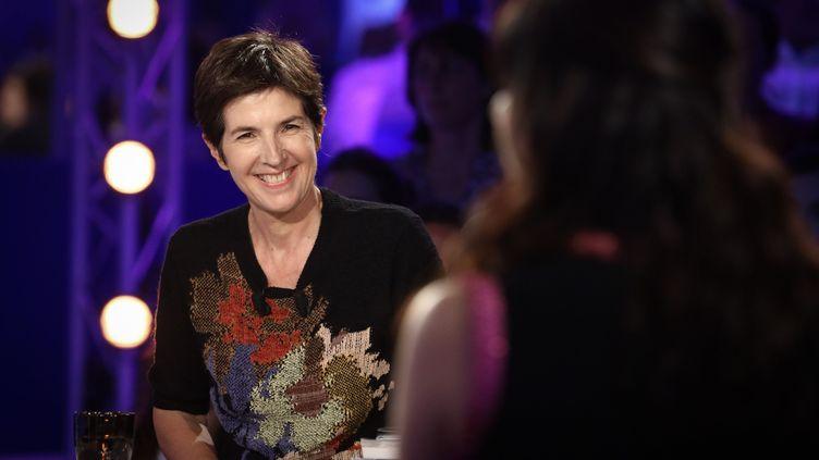 """Christine Angot participe à l'émission """"On n'est pas couché"""", sur France 2, le 31 août 2017. (MAXPPP)"""