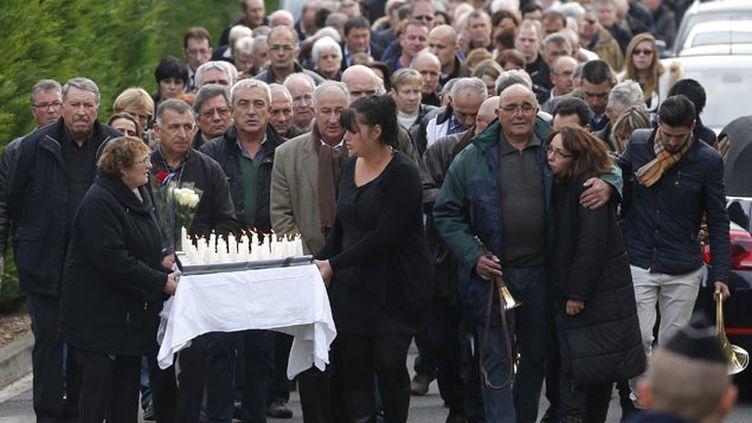 (Une marché émouvante ce dimanche matin à Petit-Palais © REUTERS / Stéphane Mahe)