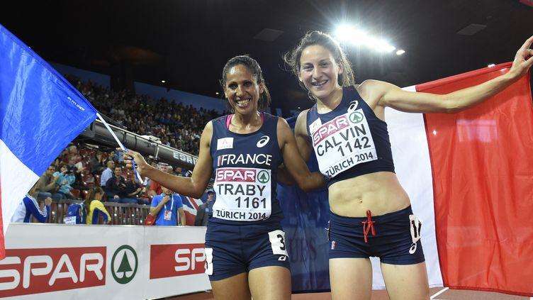 Laila Traby (à gauche), médaille de bronze des derniers championnats d'Europe, ici avec Clémence Calvin, médaille d'argent (FRANCK FIFE / AFP)