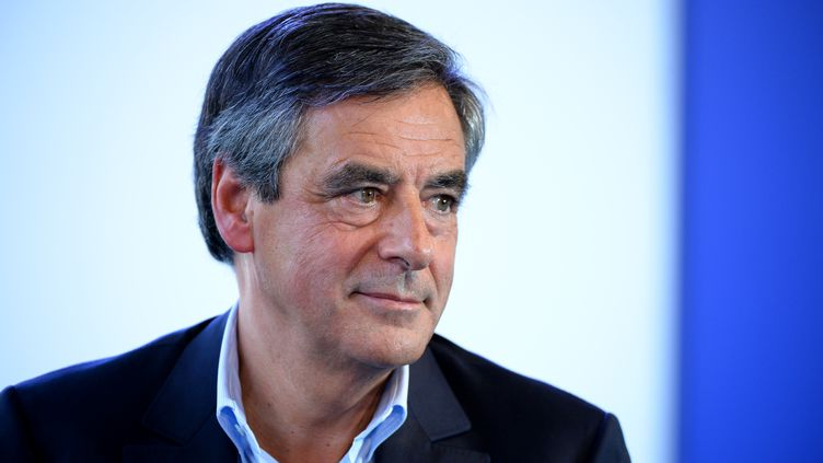 François Fillon lors de l'université d'été du Medef, à Jouy-en-Josas (Yvelines), le 30 août 2016. (ERIC PIERMONT / AFP)