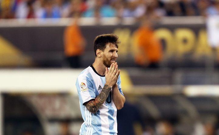 Lionel Messi aún perdió en la final, el 26 de junio de 2016, contra Chile.  (Chin Lang / Norfoto / AFP)