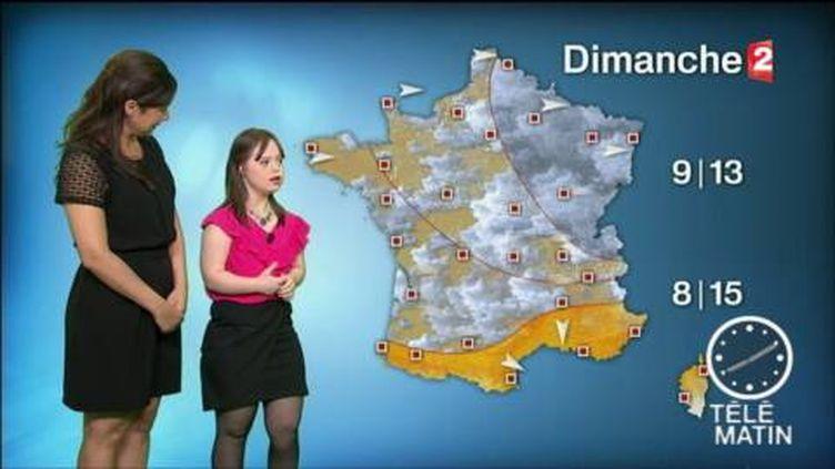 Mélanie Ségard, atteinte de trisomie 21, présente la météo sur France 2. (France 2)