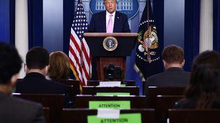 L'ancien président américain Donald Trump lors d'une conférence de presse à la Maison Blanche à Washington, le 11 août 2020. (BRENDAN SMIALOWSKI / AFP)