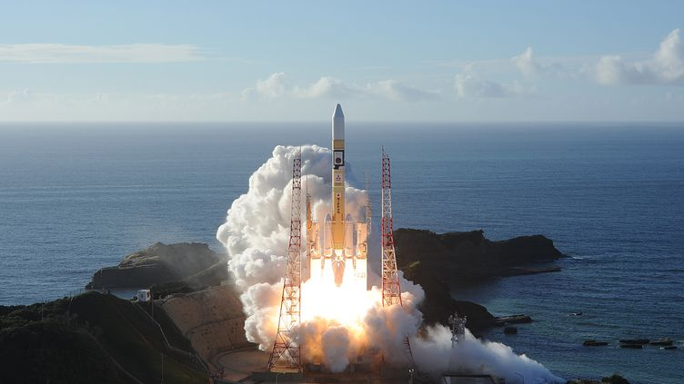 La sonde émiratie Al-Amardécollantdepuis le centre spatial de Tanegashima (Japon), le 20 juillet 2020. (HANDOUT / MITSUBISHI HEAVY INDUSTRIES)